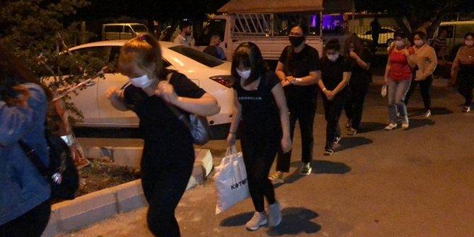 Masaj salonlarına operasyon 21 kadın gözaltına alındı