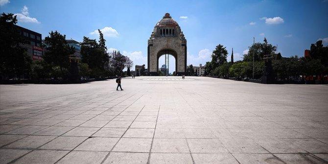 Meksika'da Kovid-19 nedeniyle son 24 saatte 587 kişi öldü