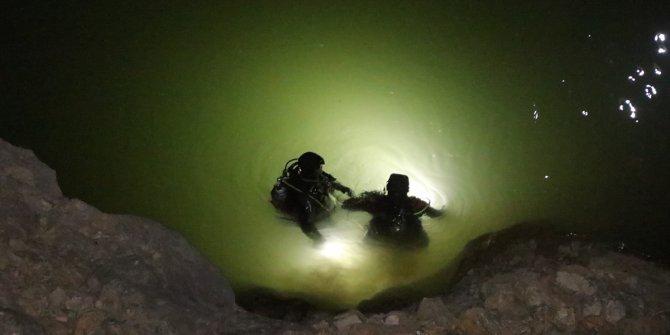 Kamyonetin nehre düştüğü kazada ölü sayısı 5'e çıktı
