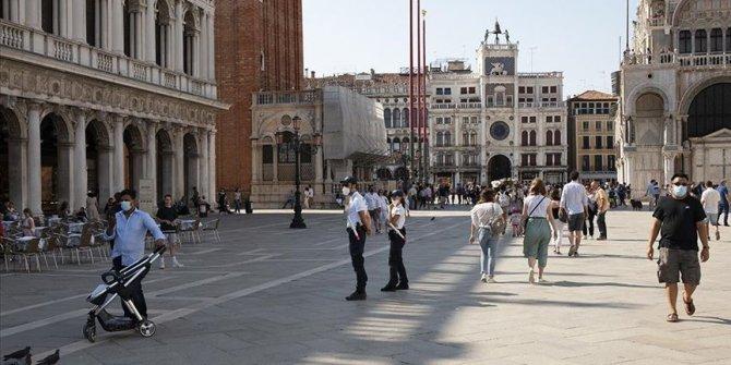 İtalya'da Kovid-19'dan ölenlerin sayısı 35 bin 102'ye yükseldi