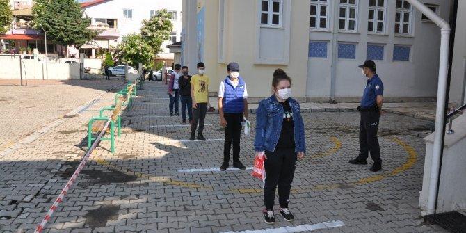 Sosyal mesafeli LGS sınavına 959 öğrenci katıldı