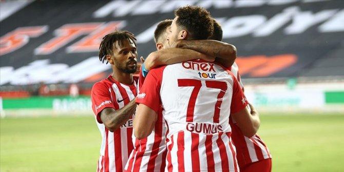 Antalyaspor, yenilmezlikte rekor peşinde