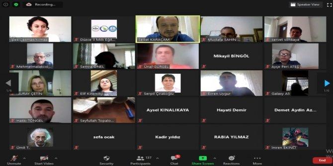 Akademisyenlerden öğretmenlere web seminer