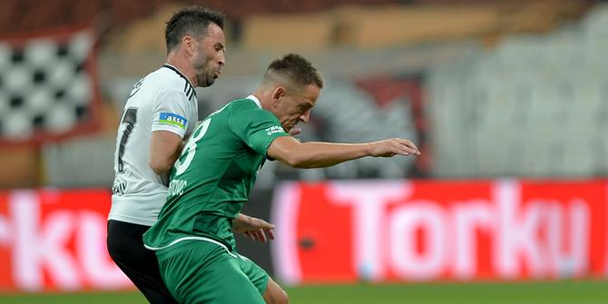 Konyaspor'da Amir maçın başında kızardı