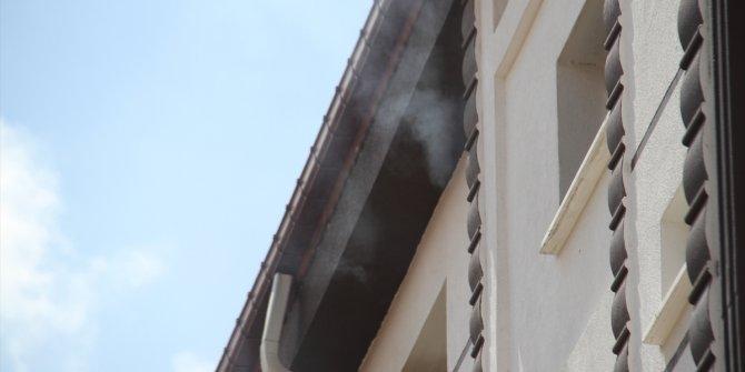 Konya'da apartmandaki yangın paniğe neden oldu