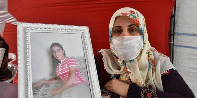 HDP önündeki ailelerin evlat nöbeti 301'inci gününde... Kızımı bıraksınlar, gelsin