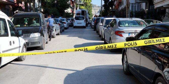 Üç çocuk annesi ölü bulundu