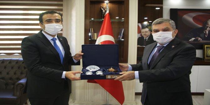 Karaman Valisi Işık, Belediye Başkanı Kalaycı'yı ziyaret etti