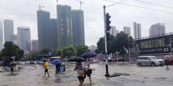 Çin'de yılbaşından bu yana sellerde 121 kişi öldü veya kayboldu