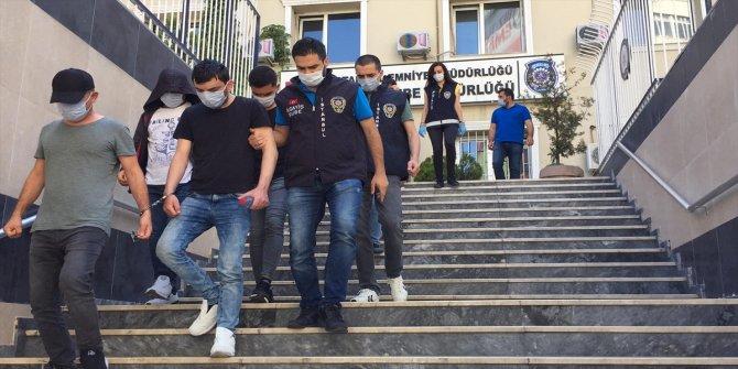 Yabancı uyruklu kadınlara zorla fuhuş yaptırdığı iddia edilen 4 şüpheli tutuklandı