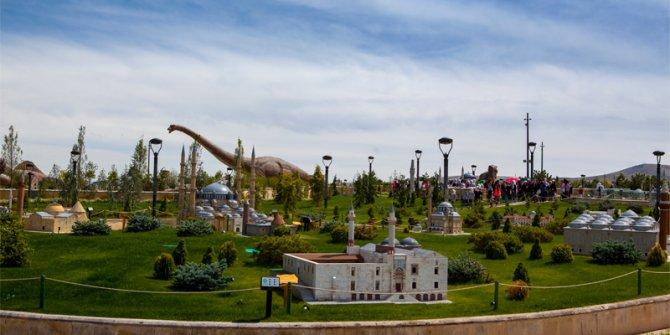 Konya'da 80 Binde Devr-i Alem Parkı çocuklara bir hafta ücretsiz