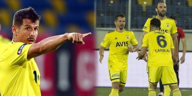Emre Belözoğlu, Süper Lig tarihine geçti
