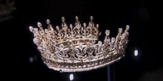 İngiliz Kraliyet ailesine ait mücevherlerin değeri açıklandı