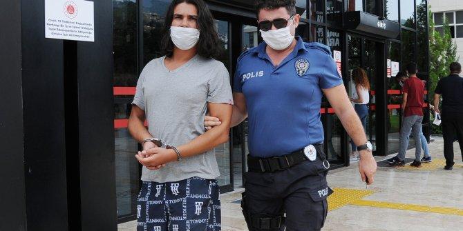 'Şaka yaptım' dedi, silahla tehditten tutuklandı