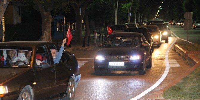 Ayasofya'nın ibadete açılması Karaman'da düzenlenen konvoyla kutlandı