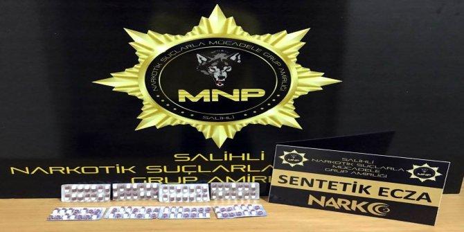 Manisa'da durdurulan araçtan uyuşturucu hap çıktı