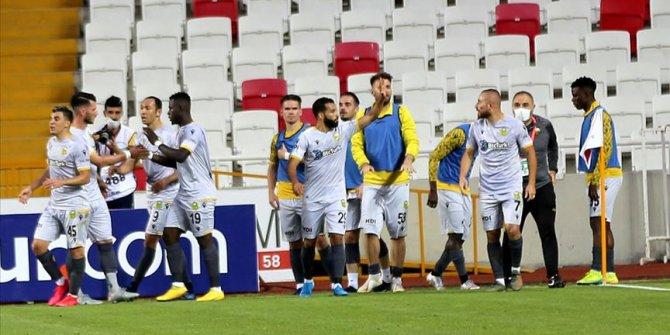 Yeni Malatyaspor sahasında 'Dört büyükleri' zorluyor