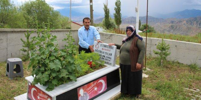 15 Temmuz şehidi 'tabuta sığmayan fidan', mezarı başında anıldı