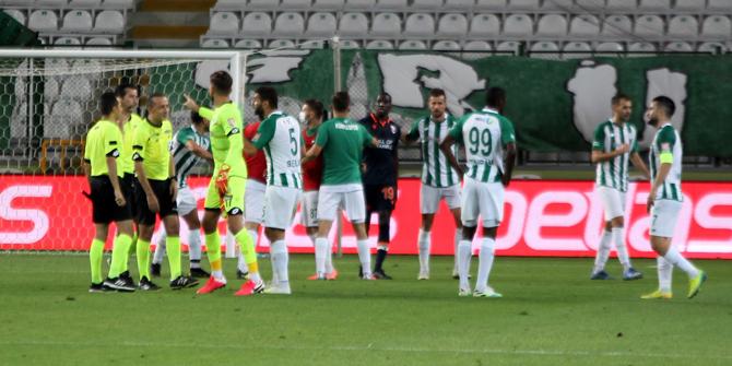 Konyaspor, Cüneyt Çakır'la 8. kez kazandı
