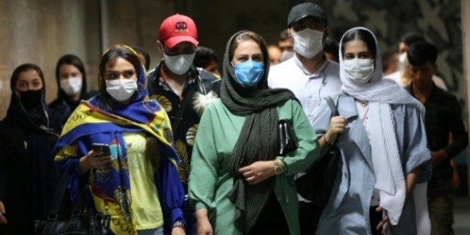 İran'da Kovid-19 nedeniyle toplantı düzenlemek yasaklandı