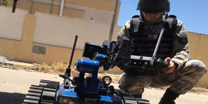 Turkish-made robot used to destroy explosives in Libya
