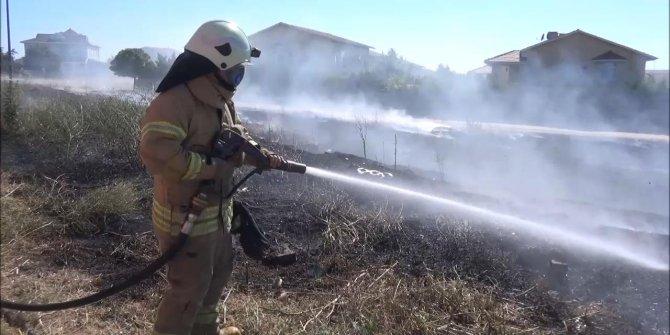 Silivri'de yakılan mangal yangına neden oldu