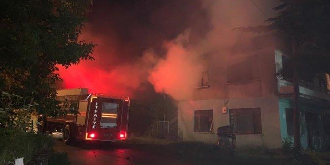 Boş evde çıkan yangın korkuttu