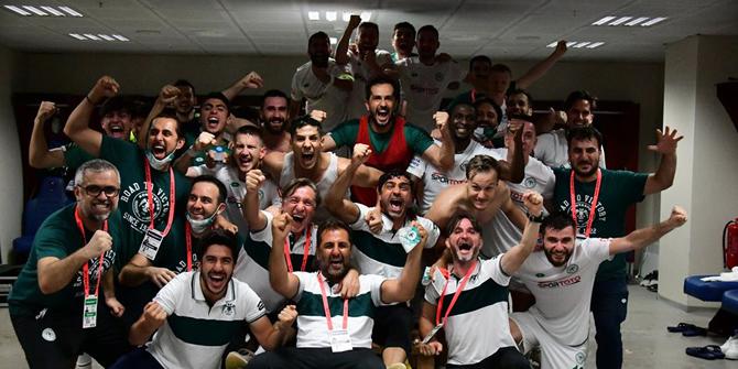 Konyaspor'dan zafer pozu!
