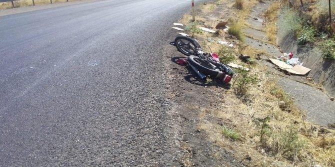 Siirt'te motosiklet tırla çarpıştı: 2 yaralı