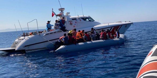 İzmir'de 44 göçmen kurtarıldı