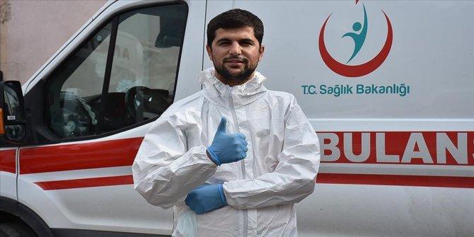 Kovid-19'u yenen paramedik: Can sıkıntısı solunum sıkıntısından daha iyidir
