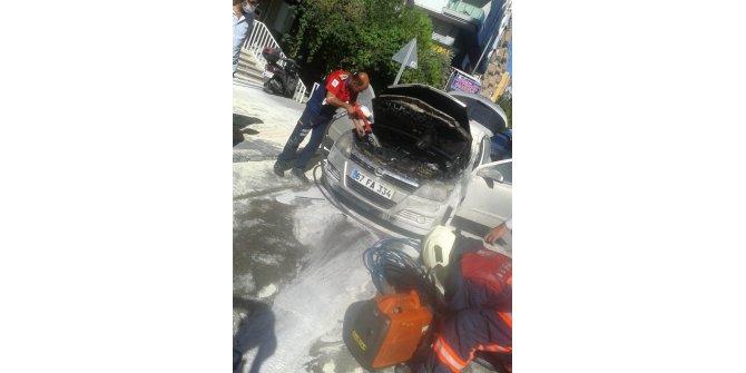 Mardin'de seyir halindeki otomobil alev aldı