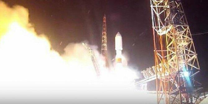 İngiltere ve Amerika endişe içinde: Rusya uzaya silah mı gönderdi?