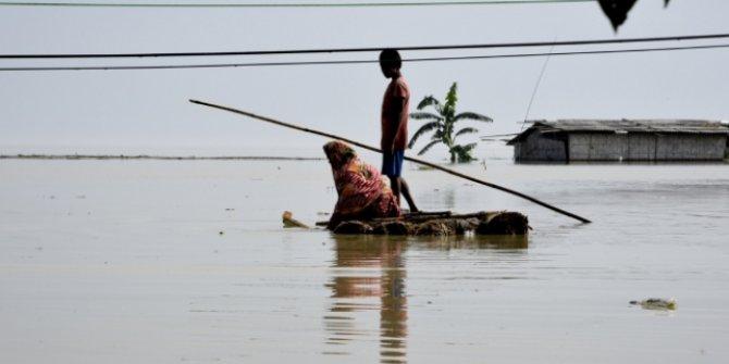 Hindistan'daki sel felaketinde 12 kişi öldü