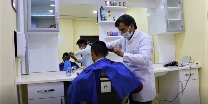 Aziziye'de engelli ve kimsesiz vatandaşlara özel kuaförlük hizmeti