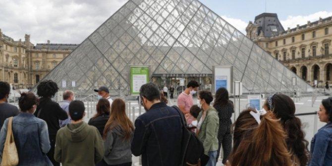 Fransa'da bir günde COVID-19'dan 10 kişi öldü