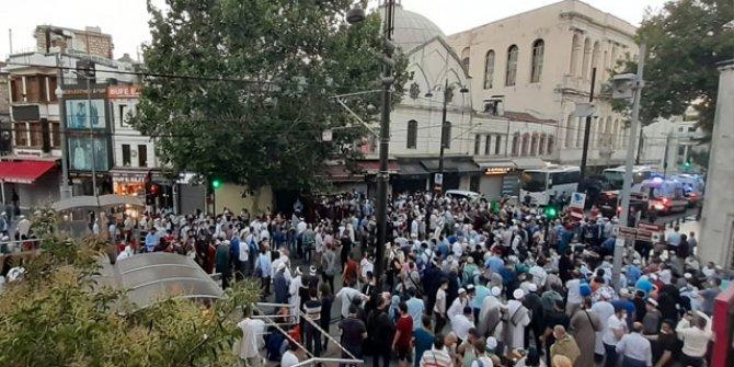 Ayasofya Camii çevresinde kalabalık artıyor