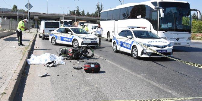Kamyona çarpan motosikletin sürücüsü hayatını kaybetti