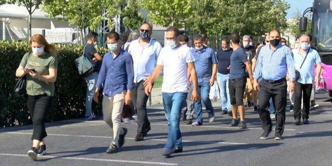Ayasofya-i Kebir Cami-i Şerifi'nin açılışına yetişemeyenler cuma namazını Yenikapı'da kılacak