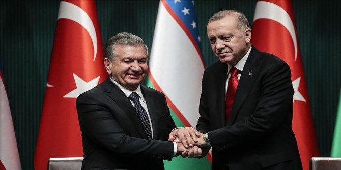 Cumhurbaşkanı Erdoğan, Özbekistanlı mevkidaşıyla görüştü!