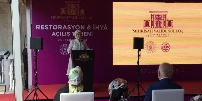 Emine Erdoğan: Ayasofya'mıza cami sıfatıyla yeniden kavuşmuş olmanın sevincini yaşıyorum