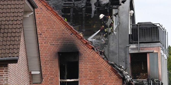 Almanya'da apartmanın üstüne uçak düştü: 2 ölü, 2 yaralı