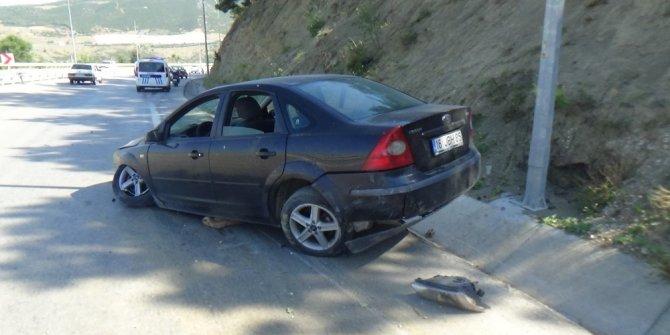 Kontrolden çıkan otomobil su kanalına çarptı: 1 yaralı