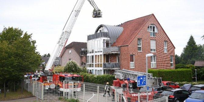 Almanya'da apartmanın üzerine küçük uçak düştü: 2 ölü, 2 yaralı