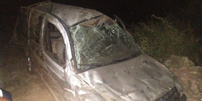 Kahramanmaraş'ta hafif ticari araç uçuruma yuvarlandı: 1 ölü 5 yaralı