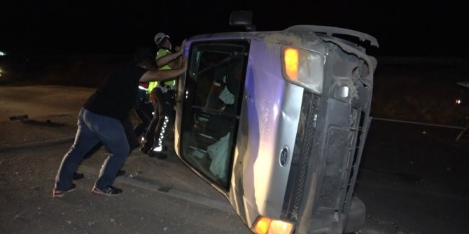 Kaza yapan sürücü aracını bırakıp kaçtı