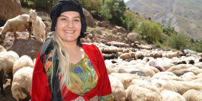 Yüksekova'da mutlu bir köy öğretmeni: Alime Taşcı