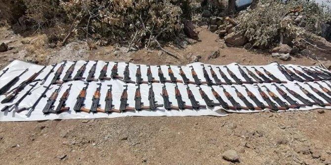 Ejército turco incauta armas y munición de PKK durante Operación Garra de Tigre
