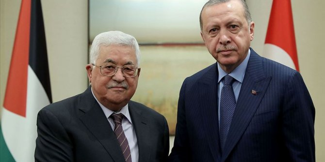 Filistin Devlet Başkanı Abbas, Cumhurbaşkanı Erdoğan'ı tebrik etti
