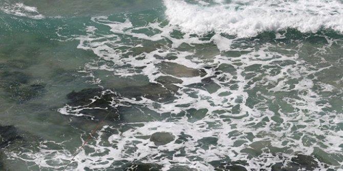 Denize giren 13 yaşındaki çocuk boğuldu